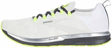 Brooks Ricochet 2 - White Black Nightlife (129)