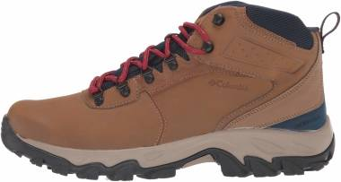 Columbia Newton Ridge Plus II Waterproof - Light Brown/Red Velvet (1594732234)