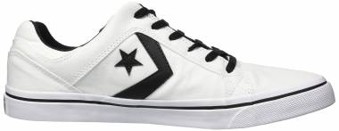 a7538f5d1386 10 Best White Converse Sneakers (May 2019)