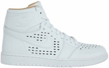 Air Jordan 1 Retro High - White / White-vachetta Tan (883419638)