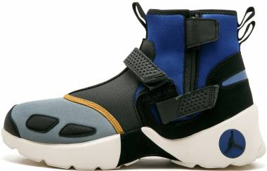 Jordan Trunner LX High NRG - Black/Black