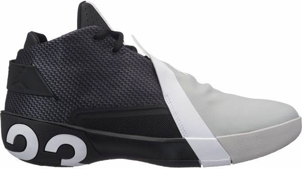 Jordan Ultra.Fly 3 - BLACK/WHITE-LT SMOKE GREY (AR0044001)