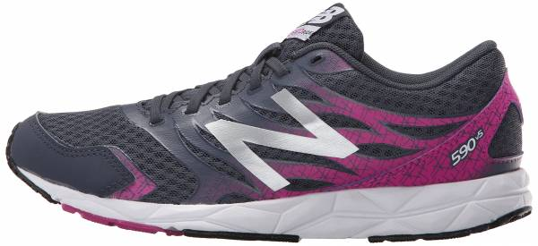 359962eb7402 13 Reasons to NOT to Buy New Balance 590 v5 (Apr 2019)