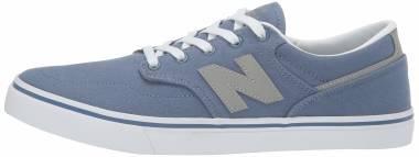 New Balance 331 - Blue / White