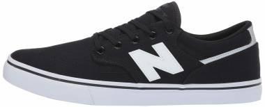 New Balance 331 - Black / White