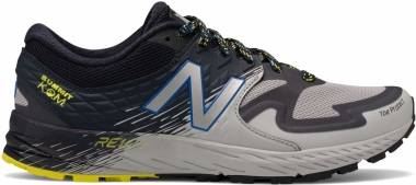 New Balance Summit KOM - Black / Light Grey / Yellow