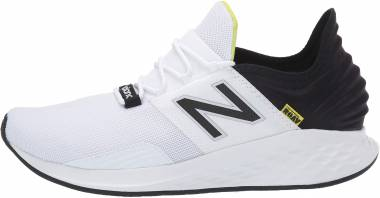 New Balance Fresh Foam Roav - White/Black (MROAVLW)