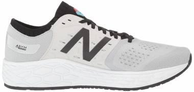 New Balance Fresh Foam Vongo v4 - White / Black / Orange