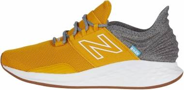 New Balance Fresh Foam Roav Tee Shirt - Yellow (MROAVTV)