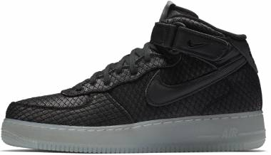 sports shoes 012c6 4639d Nike Air Force 1 07 Mid LV8