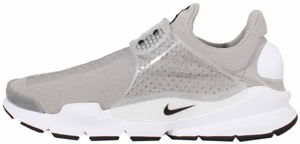 hotel apilar El hotel  Nike Sock Dart sneakers in 4 colors (only $95) | RunRepeat