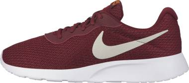 Nike Tanjun - Red (812654602)