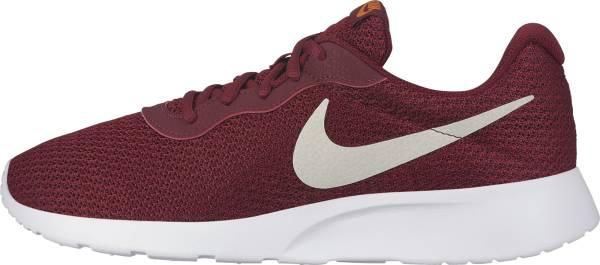 Nike Tanjun - Red (812654602)