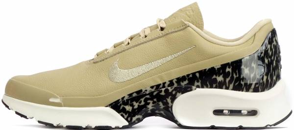 nike air max jewell trainers in beige