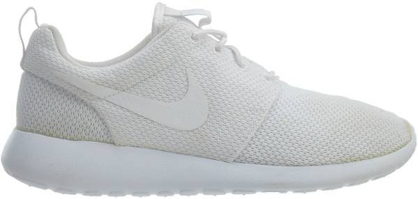 Nike Women/'s W Roshe One PRM Suede Low-Top Sneakers