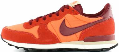 Nike Internationalist - Arancione Max Orange Team Red Orange Charge Linen Sail Hyper Orange (828041800)