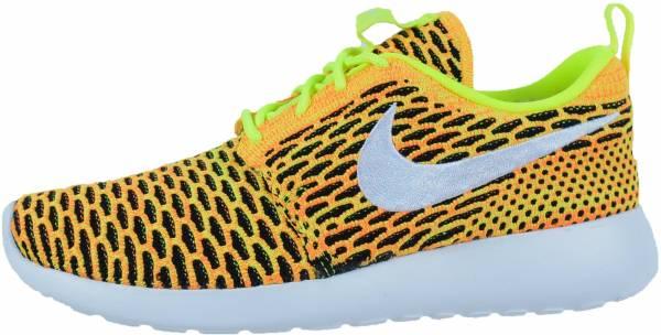 Nike Damen Roshe One Flyknit Schwarz Weiß 704927 011