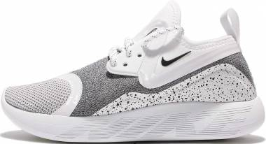 Nike LunarCharge Essential - Black Dark Grey Volt 001