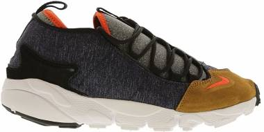 Nike Air Footscape NM - obsidian team orange 401