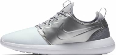 Nike Roshe Two - Silver (844656100)