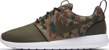 99ff06671aa8 16 Best Nike Roshe Sneakers (May 2019)