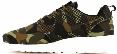 58ef019afb8 16 Best Nike Roshe Sneakers (May 2019)