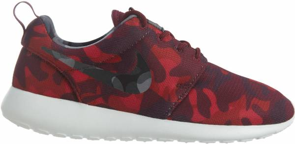 best website 7d3a1 499aa 10 Reasons to NOT to Buy Nike Roshe One Print (May 2019)   RunRepeat