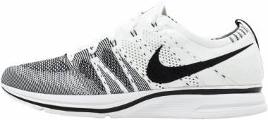 Nike Flyknit Trainer - White (525617034)