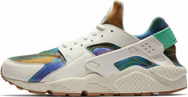 88268365fafa 10 Reasons to NOT to Buy Nike Air Huarache Print (May 2019)