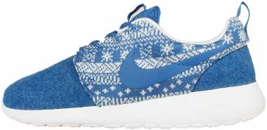 best service bf984 a884c Nike Roshe One Winter