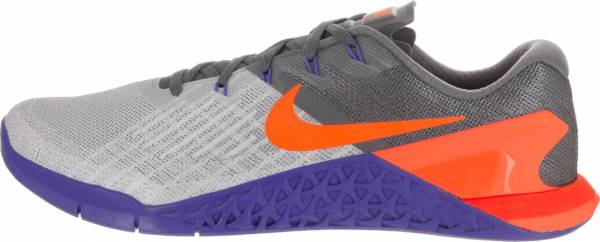 brand new ebdee fc841 nike-men-s-metcon-3-wolf-grey-tart-dark-grey-training-shoe-8-men-us -mens-wolf-grey-tart-dark-grey-1a68-600.jpg