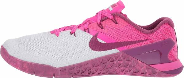 sneakers for cheap acc51 1f9ff nike-metcon-3-women-s-training-shoe-pure-platinum-deadly-pink -tea-berry-female-pure-platinum-deadly-pink-tea-berry-fa4b-600.jpg
