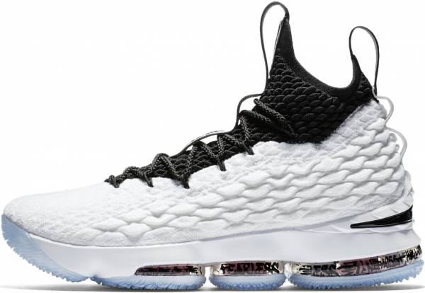 online store bb116 de975 Nike LeBron 15