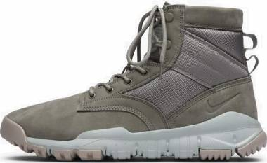 Nike SFB 6 Leather - Dark Stucco