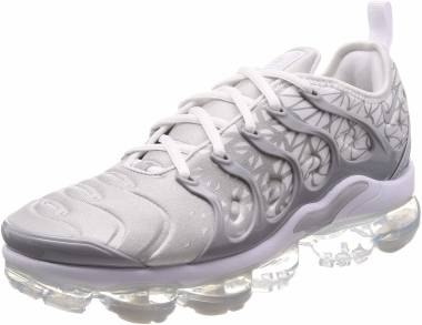 timeless design 4c27c 76745 Nike Air VaporMax Plus