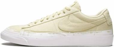 brand new 08de4 1aaca Nike Blazer Low