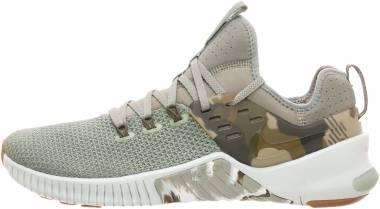 huge discount d6bd5 ba3b5 Nike Free x Metcon Dark Stucco Olive Canvas Light Silver Gum Men