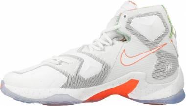 Nike Lebron 13 Blanc / Orange / Gris / Argenté (Blanc / Platine Pur - Mangue Éclatante - Vert Action) Men