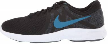 Nike Revolution 4 - Black
