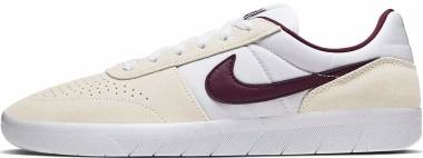 Nike SB Team Classic - Pale Ivory/Night Maroon
