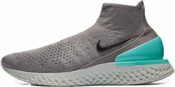 Nike Rise React Flyknit - Grey