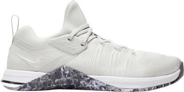 Nike Metcon Flyknit 3 - Multicolore White White Black Metallic Silver 110 (AR5623110)
