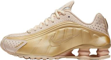Nike Shox R4 - Guava Ice, Sail, Metallic Gold Star (AR3565800)
