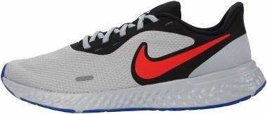 Nike Revolution 5 - Black Chile Red Light Smoke Grey (BQ3204011)