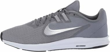 Nike Downshifter 9 - Gris Cool Grey Mtlc Silver Wolf Grey Black Pure Platinum White 001 (AQ7481001)