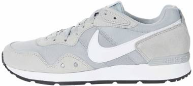 Nike Venture Runner - Lt Smoke Grey / White / Black (CK2944003)