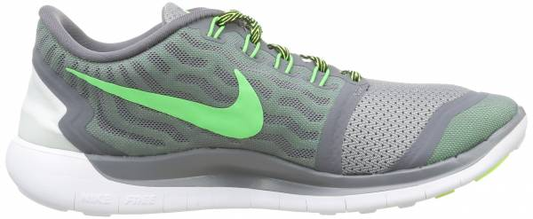 Nike Free 5.0 men grigio (cool grey/grn strike-vltg grn)