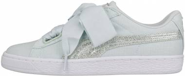 new york d3d81 c9237 Puma Basket Heart Canvas