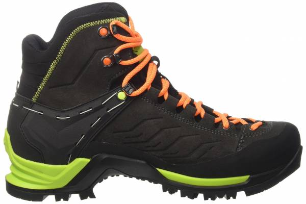 9 reasons to not to buy salewa mountain trainer mid gtx. Black Bedroom Furniture Sets. Home Design Ideas