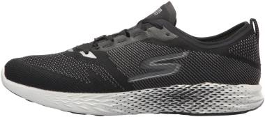 Skechers GOmeb Razor 2 - Black/White (011)
